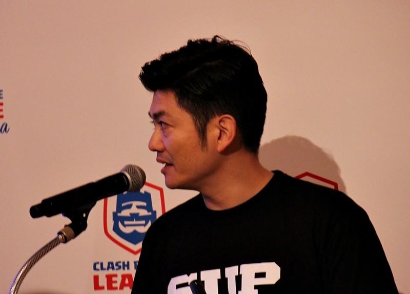 「クラロワリーグ アジア」について説明するSupercell eスポーツアジア担当の殿村 博氏
