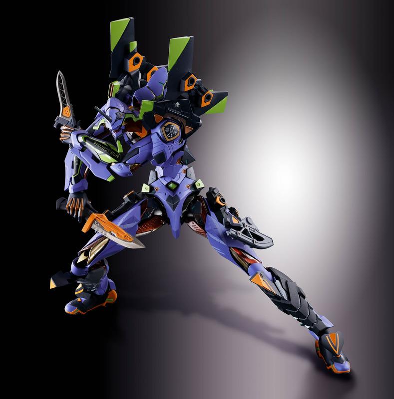 腿と脛、目を覆う追加装甲を装備。腿には武器を取り付けることが可能に