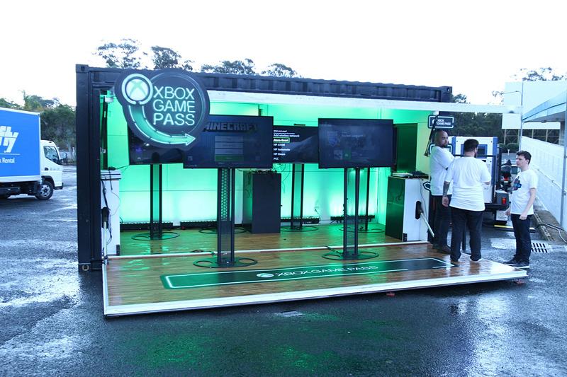 メディアイベント後に、ユーザーイベントも行なわれ、「Xbox Game Pass」や「Forza Motorsport 7」のデモトレーラーも出展されていた