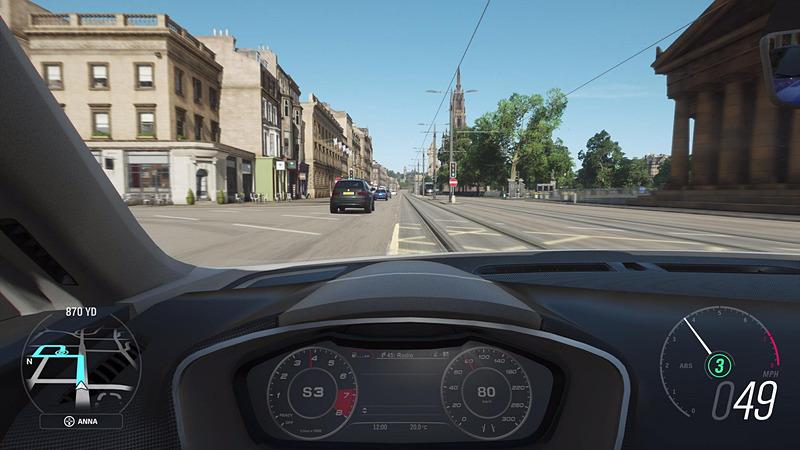 今作では唯一の市街エリアとなるエディンバラ。ライトレールが走っており、知らずに走行していきなり正面衝突を起こしてしまった