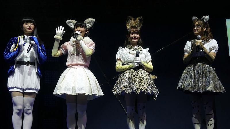 ステージに登場したフレンズたち。左から根本流風さん、本宮佳奈さん、尾崎由香さん、山下まみさん