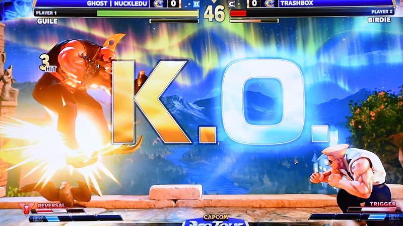 ソニックブームを空中で踏ませるというテクニカルな技を見せるNuckleDu選手