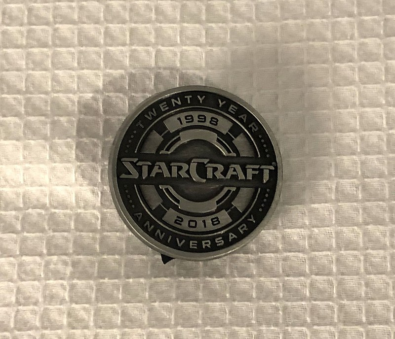 「Starcraft」20周年記念ピンバッジ