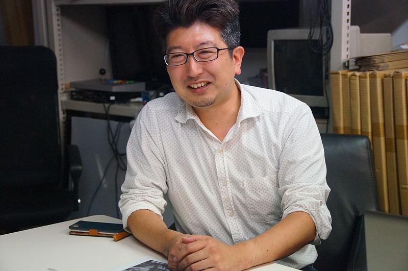 デザイナー佐藤圭一氏。今回から開発に加わっている佐藤氏はM2ガジェットをはじめ各所のデザインを手がけている