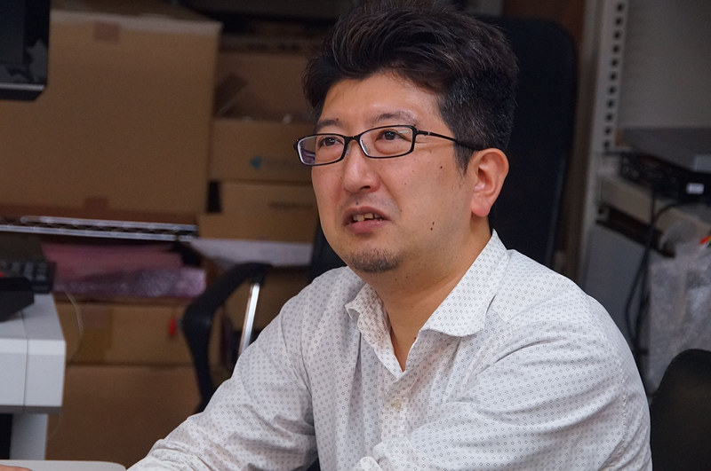 これまではM2STG作品のWEBサイトなどのデザインを行なっており、今回の「ケツイ」で本格的に開発に加わったという佐藤氏。特にフォントのデザインに造詣が深い