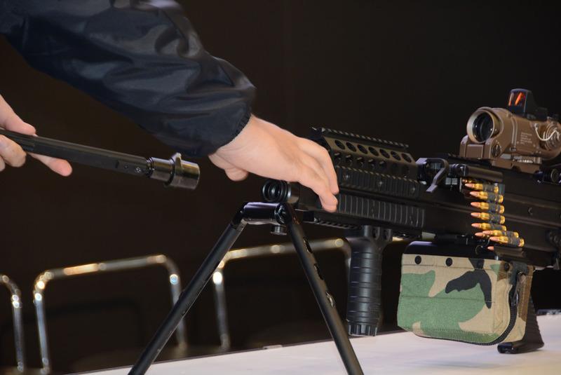 完全新規となった「MK46 Mod.0」。射撃時に弾帯が動いたり、バッテリーの交換に銃身を取り外すなどこだわりがたっぷり詰まっている