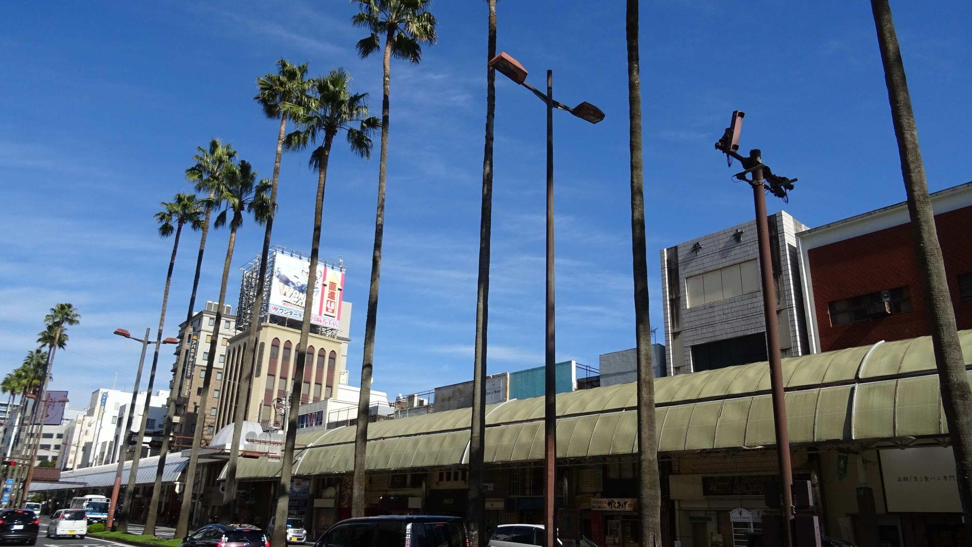 宮崎市中心部に位置する若草通商店街。筆者の青春時代には、ゲームセンターが2店ほどあったが、今ではどちらも閉店している