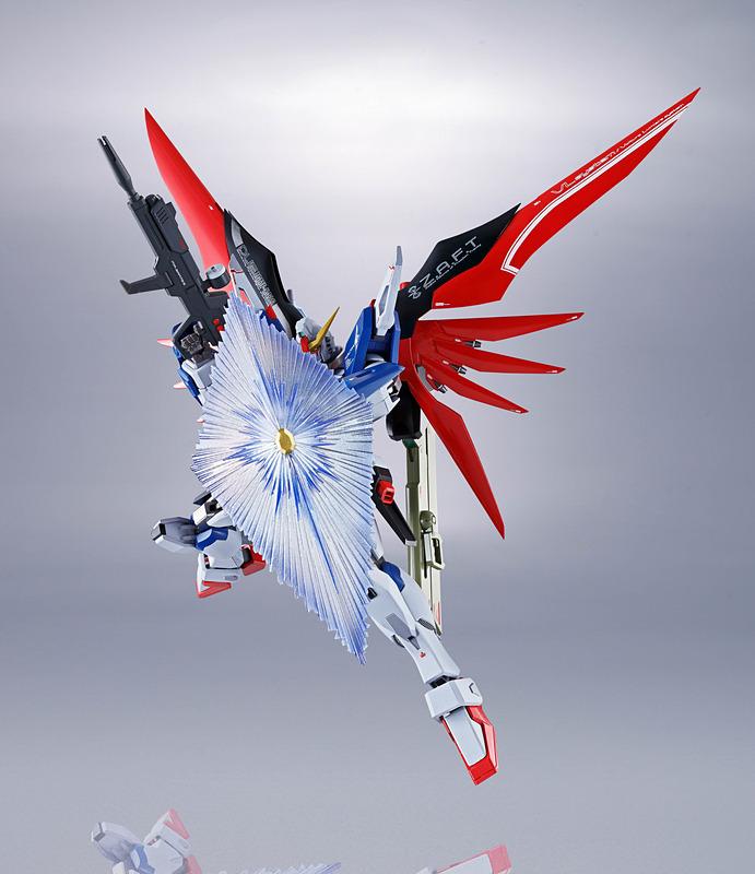 多彩な武装はデスティニーガンダムの大きな魅力。エフェクトパーツにより、これらの武装はさらに楽しくなる