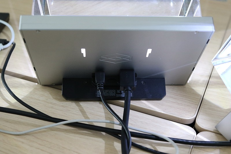 「Standard」の背面に用意されているポート類