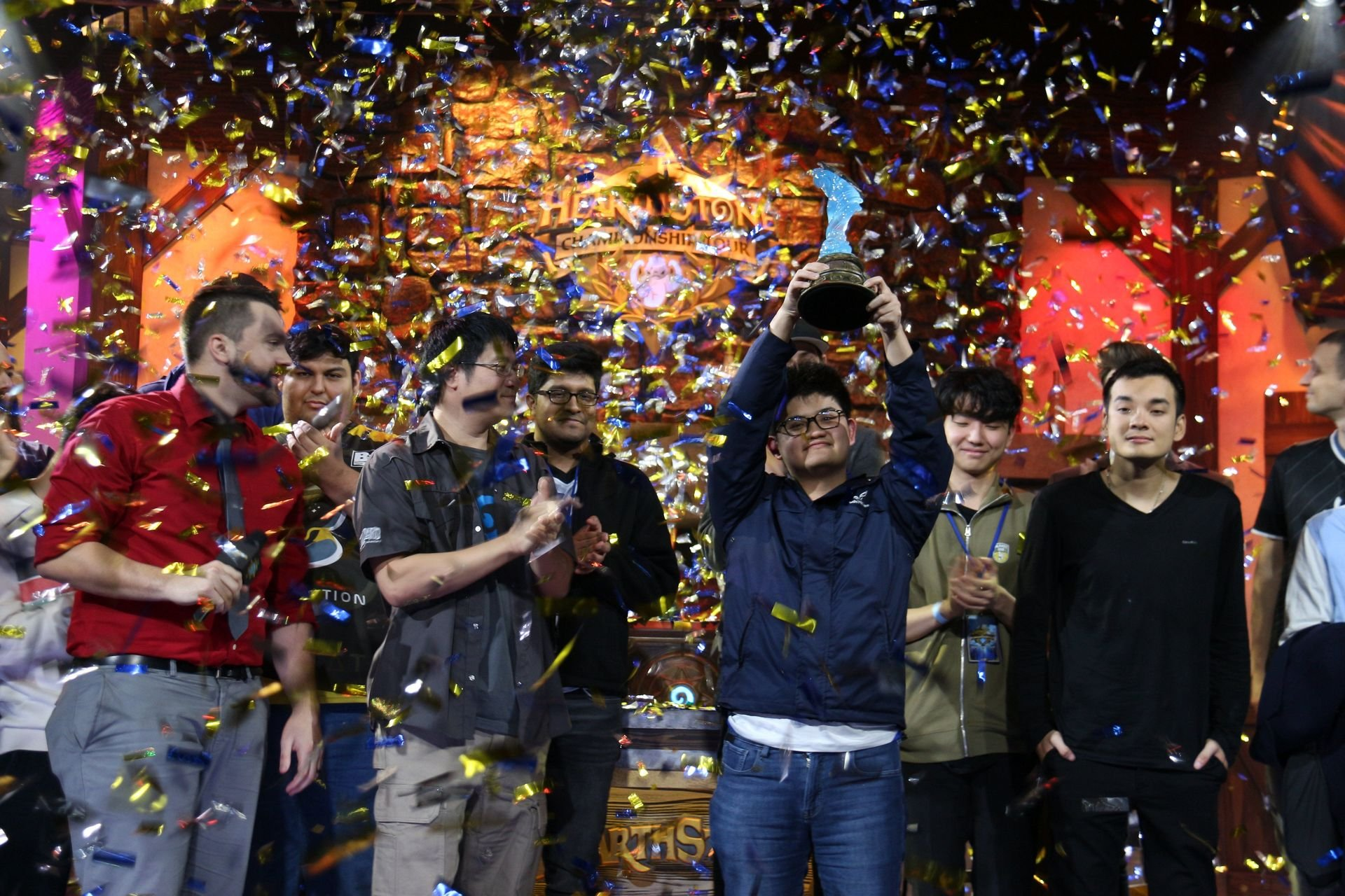 優勝したtom60229選手(台湾)。4月に台湾で開催される「HCT 2018 World Championship」はtom60229選手は出場権を獲得できなかったため、新たな王者が誕生することになる
