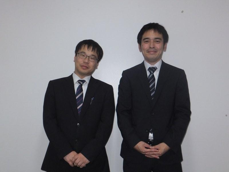 ITサイエンス部eスポーツ班の顧問を務める湯澤一先生(左)と難波秀幸先生(右)