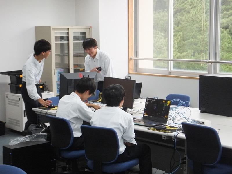 「eスポーツ部 発足支援プログラム」を活用して導入されたゲーミングPCセット