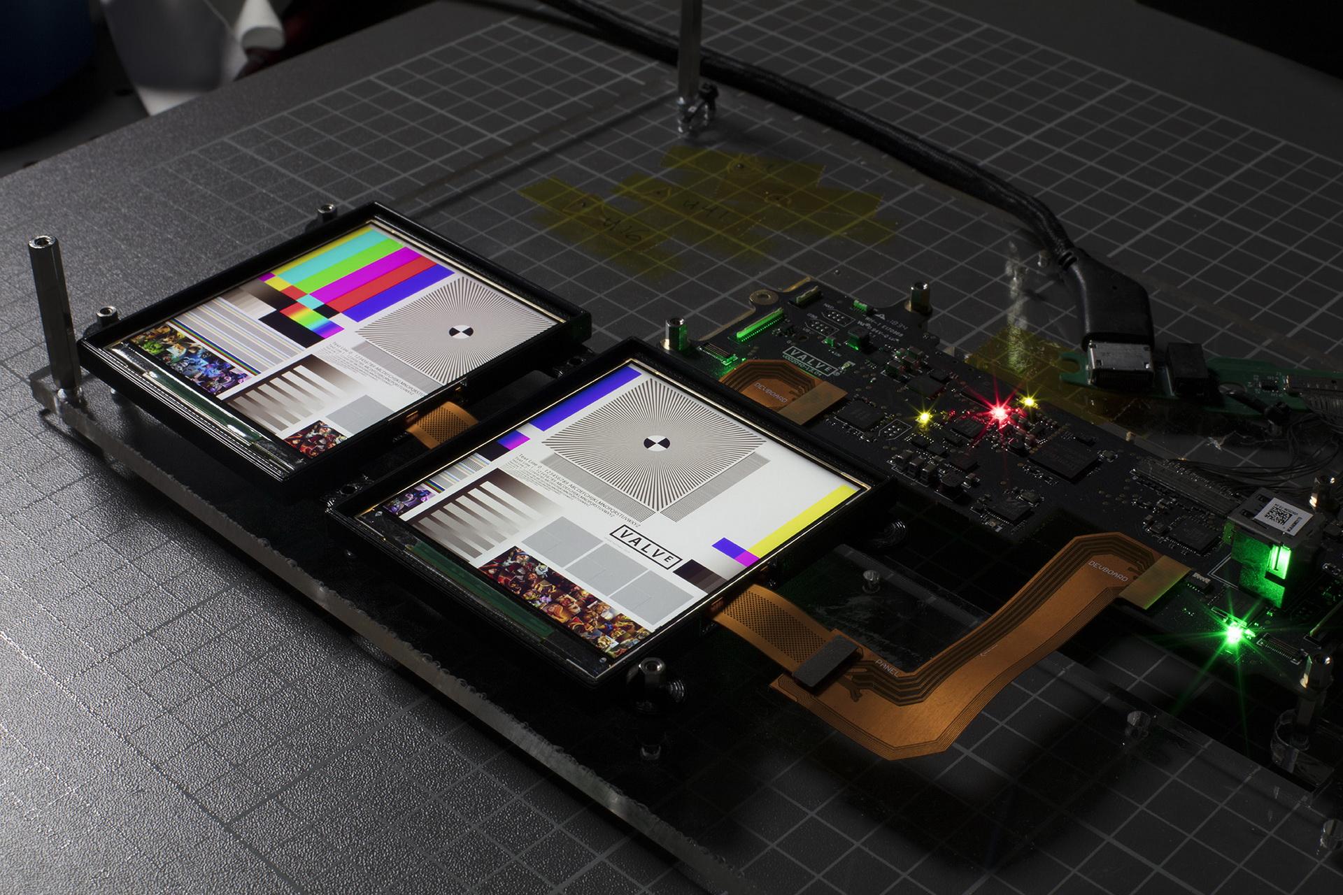 VALVE INDEXのゴーグルに用いられているRGB LCD