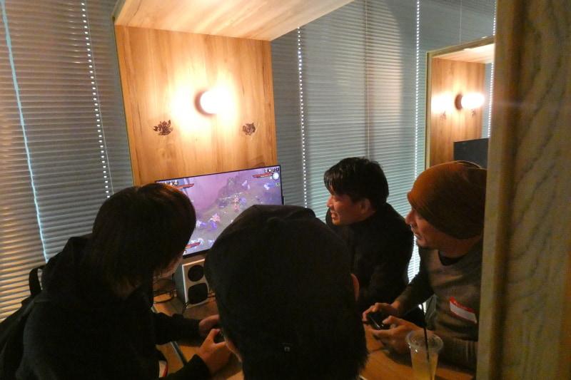 「ディアブロ III」の4人同時プレイを楽しむ参加者