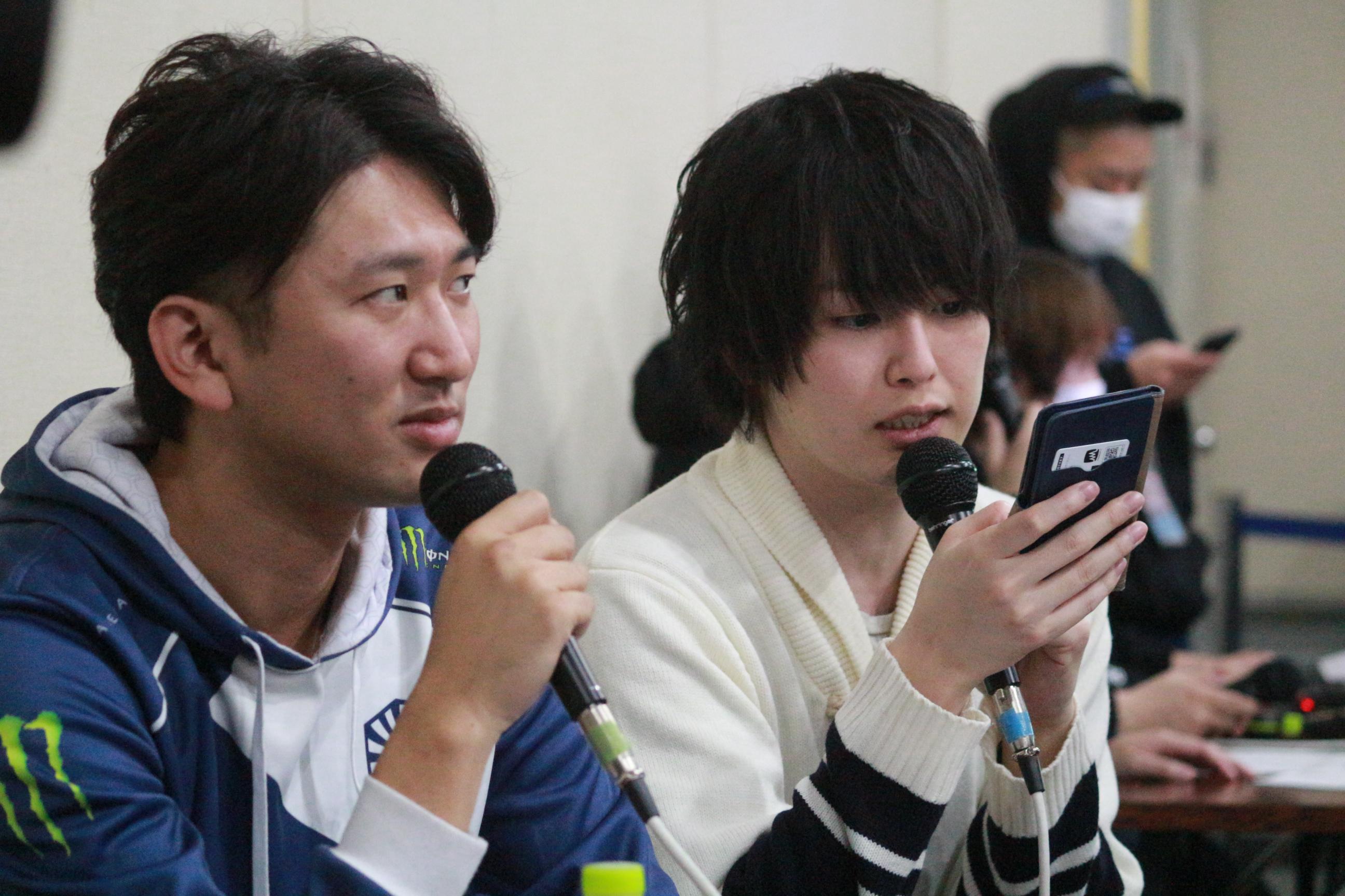 ストVの実況解説 ネモ選手(左) なない氏(右)