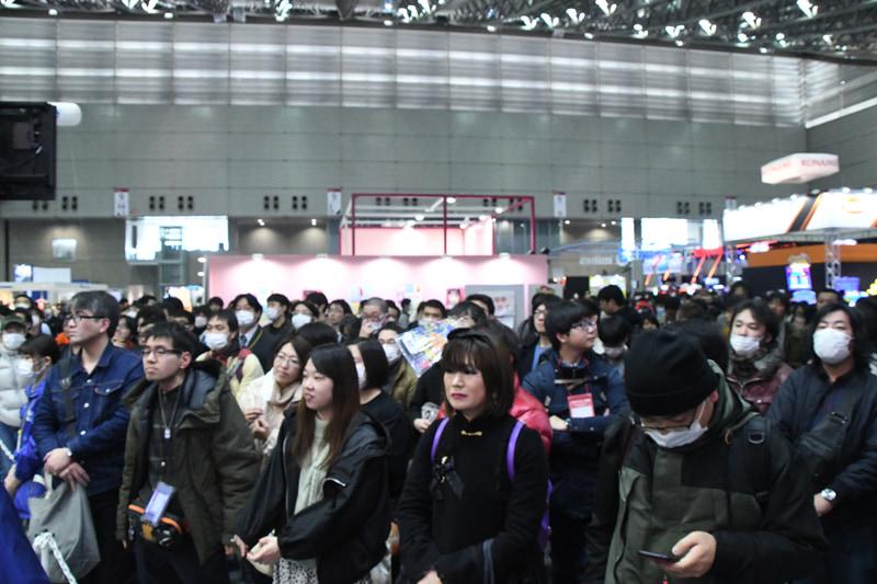 トッププレーヤーの戦いを一目見ようと、多くの観覧者で溢れかえっていた