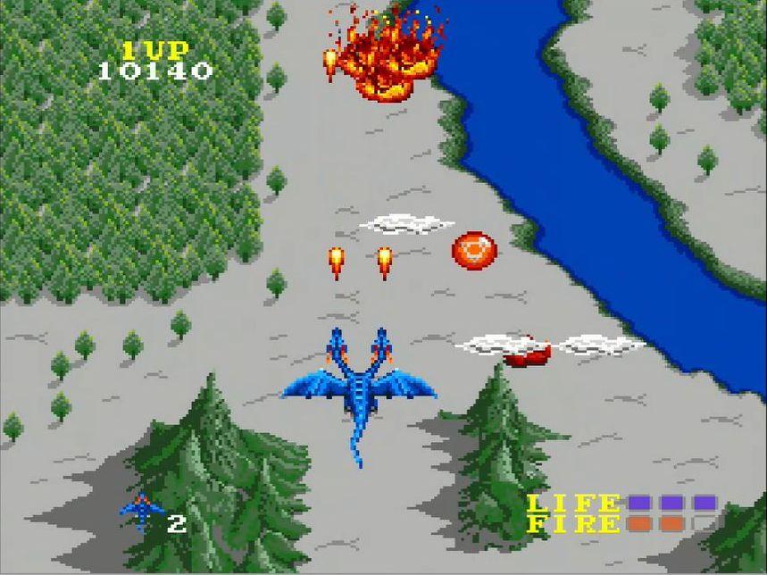地上にあるタマゴを撃つとアイテムが出現。青いアイテムを取るとアムルの首が最高3本まで増え、赤いアイテムは3個取るごとに空中用ショットがパワーアップする