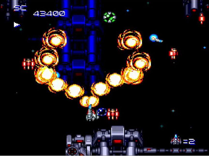 赤のクリスタルを取るとマルチショットがパワーアップし、青のクリスタルとを取るとリングレーザー、緑はスプレットレーザー、黄色はスウィングファイヤーが装備される