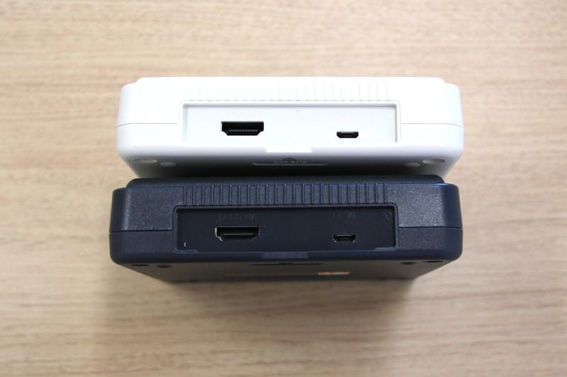 オリジナルでは背面にCD-ROM2などを接続できる拡張バスを備えていたが、代わりにmicroUSBの電源入力端子とHDMI出力を備える