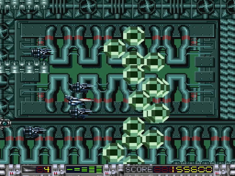 シャトルが4機ついていれば、ワイドレーザーも強力だ。ファイヤレーザーは前後に撃てるが、射程が短い