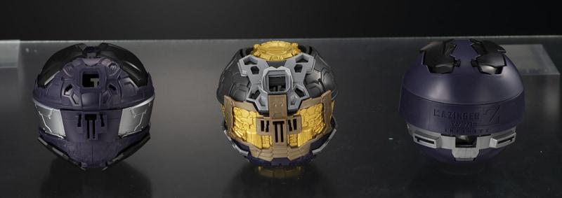 このカプセルから胸像モデルが展開する