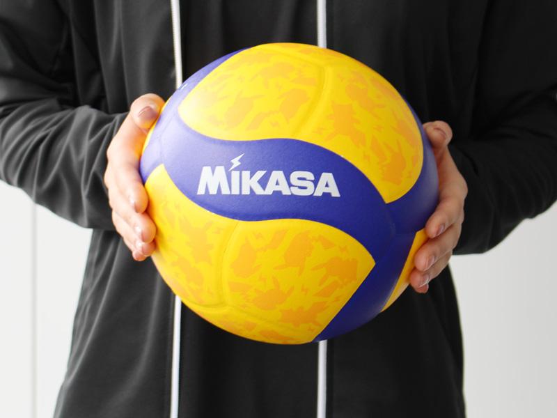 モンスターボールデザインのボールも登場
