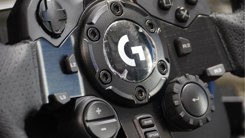 上「G923」、下「G29」