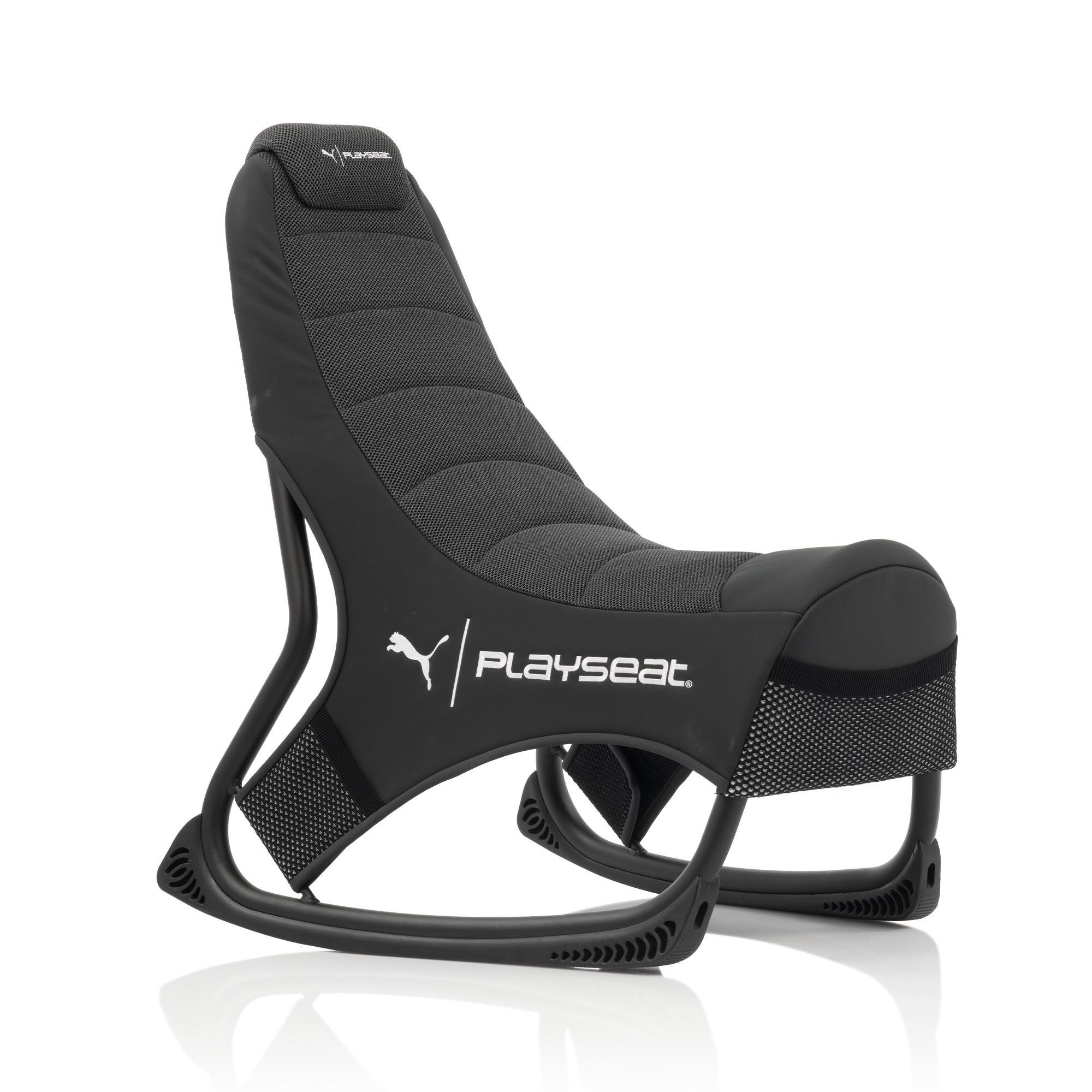 身体の動きに合わせ、シートがアクティブに作動する設計となっており、ゲームのプレイ中に前傾姿勢になったり、後傾になったりしても、ベストなポジションをキープする
