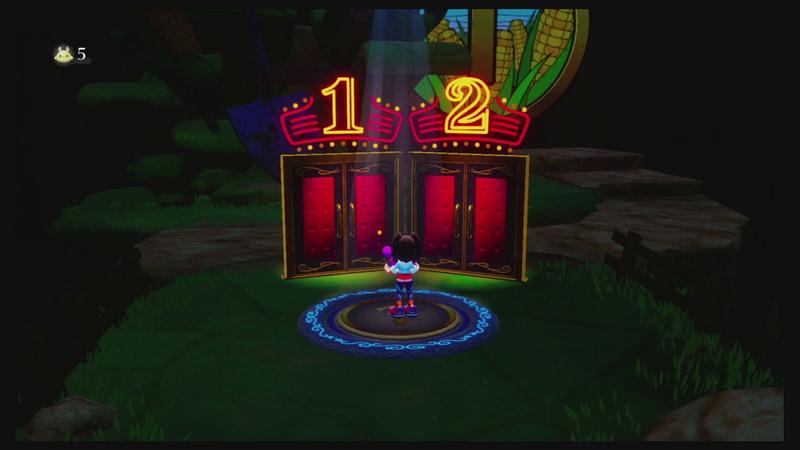 ステージの入り口は重厚感のある劇場の入り口