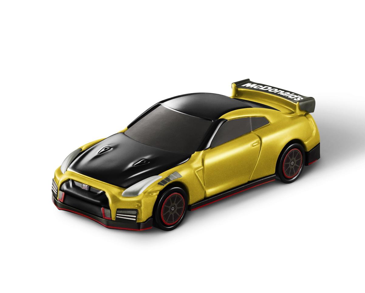 """ジャンプ道路 & 日産 GT-R NISMO 2022モデル マクドナルド仕様""""ゴールド"""""""