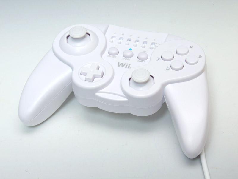グリップを備えたクラシックコントローラ互換の「Wiiリモコン外部拡張コントローラ」