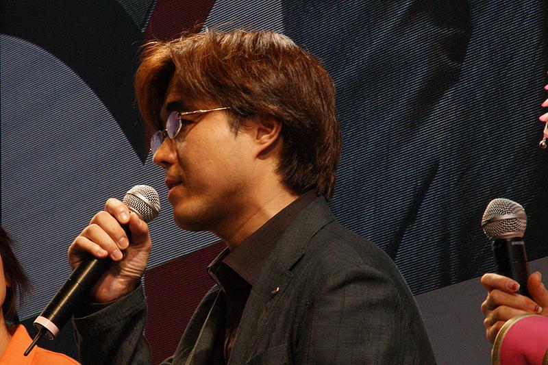 コーエー「戦国無双3」プロデューサー 鯉沼久史氏「本当に今、最後の追い込みを行なっておりまして、開発一同頑張って制作しております。」と開発状況を語った