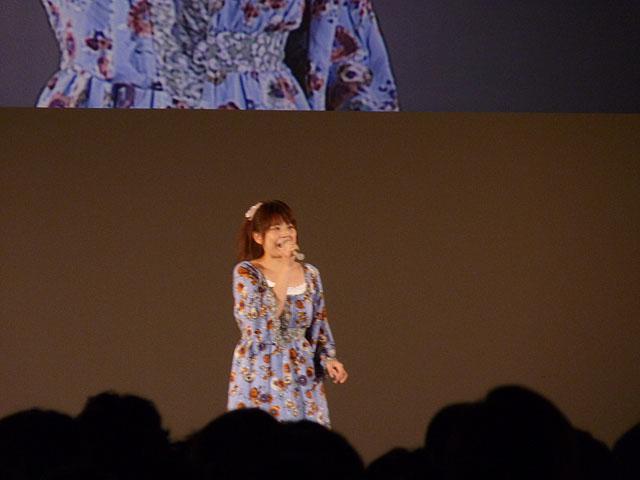魔璃の「横浜ラプソディー」。最後に「マリリンステップができねぇ」と叫んだ石毛さん