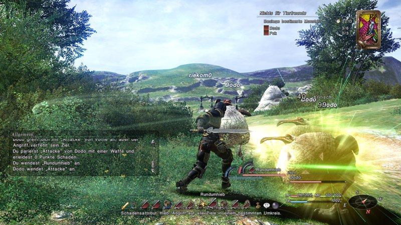 Gamescom出展に合わせて公開されたバトルシーンのスクリーンショット。画面下部の一見コマンドメニューに見えるアイコン群はマクロだという