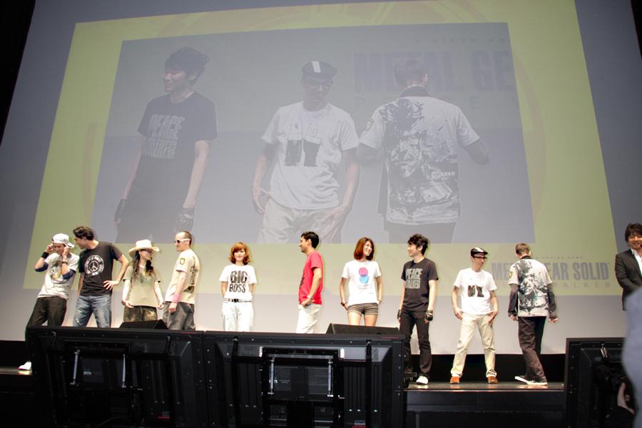 発表会では小島プロダクションの制作スタッフがTシャツを着てモデルとして登場。アピールした