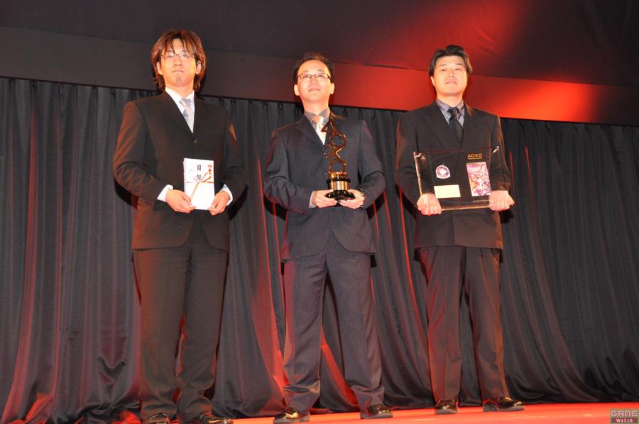 (上画像右:左より)プロデューサーの酒井智史氏、シニアディレクターの寺田貴治氏、ディレクターの木村裕也氏