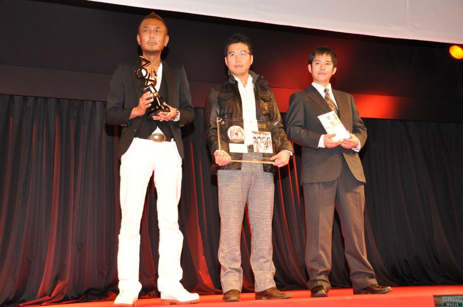 (上画像右:左より)総合監督の名越稔洋氏、プロデューサーの菊池正義氏、ディレクターの折原純氏