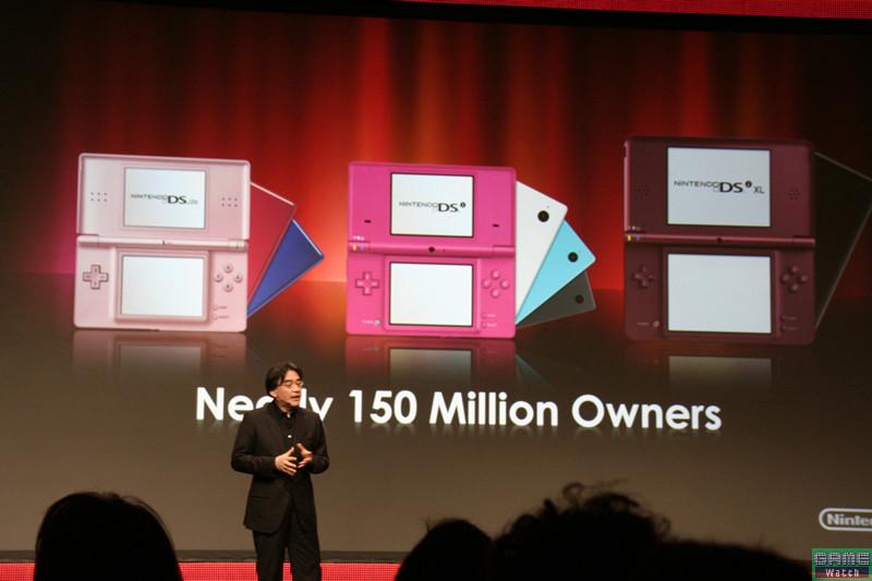 2つのスクリーンという独特なデバイスで、約1億5,000万台を売り上げたDS。「不可能を可能にする」象徴として示された