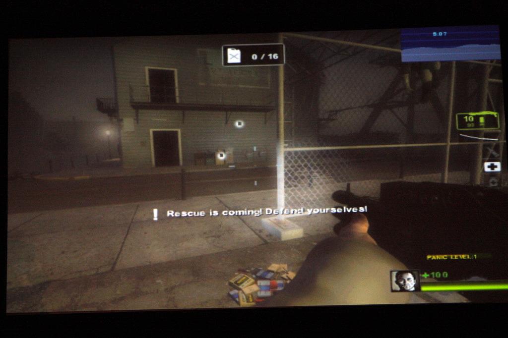 画面右上にプレーヤーの興奮レベルが表示されている。それに示されるプレーヤーの実際の反応に基づいて、AI Directorがゲーム内の敵やアイテムの出現パターンを調整する。これにより、ゲーム体験がより刺激的で楽しいものになるという結果を得た