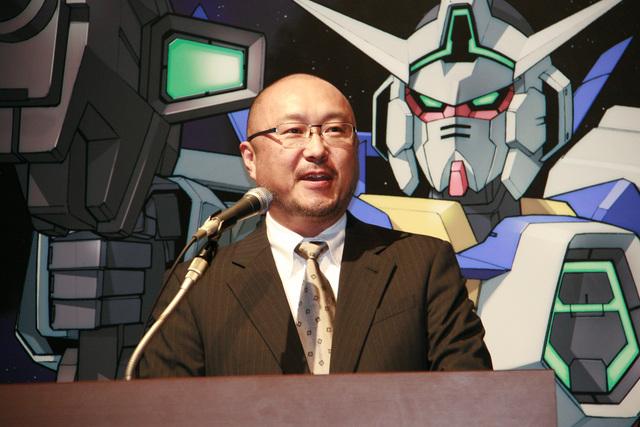バンダイナムコゲームスの代表取締役副社長、鵜之澤 伸氏。「(博多のパブリッシャーとの協業はサイバーコネクトツーやガンバリオンに続いて)これでコンプリート。「イナズマイレブン」や「ダンボール戦機」で完璧なまでのメディアミックスを手掛けられており、非常に勉強になるなと。パブリッシャーを始められたあとなので失礼かと思ったが」と日野氏に対して敬意を払い、「(ゲームに関して)準備ができたら、日野さんとともに発表会をやりたいと思っている」と述べた