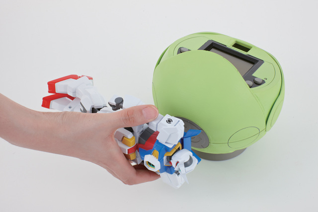 「ゲイジングバトル」を家庭で遊べる「ゲイジング ハロ」(10月発売、5,985円)