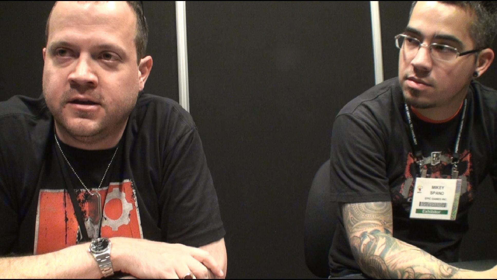 取材対応していただいたEPIC GAMES、「Gears of War 3」開発チームのおふたり。左がSenior Gameplay ProgrammerのJosh Markiewicz氏、右がSenior Environment Artistの Mikey Spano氏