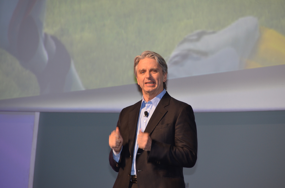 任天堂のプレスカンファレンスに登壇したJohn Riccitiello氏(Electronic Arts、CEO)は