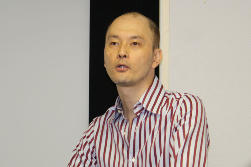 プレゼンテーションを行なった総合プロデューサーの久永智之氏