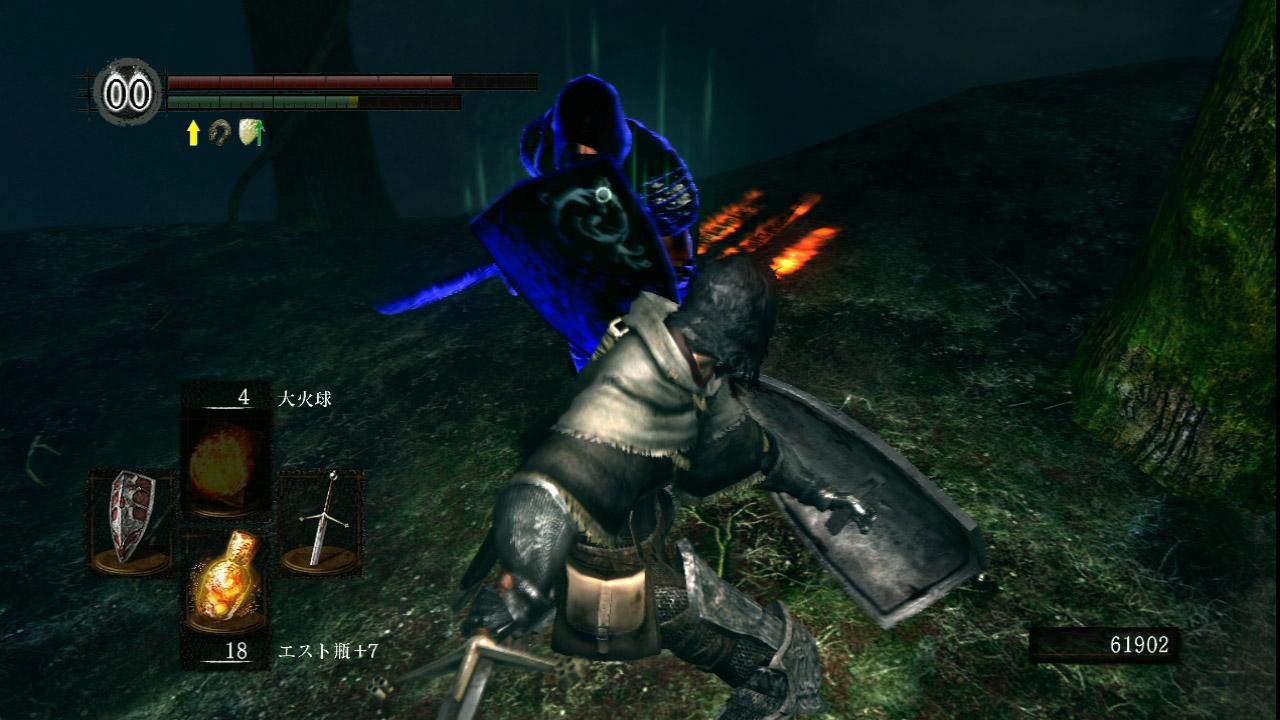 森で繰り広げられる「生者の侵入者VS森の狩猟者のプレーヤー」。ここでは「森の狩猟者」の誓約を交わしているプレーヤーが次々に召喚され、侵入者を排除しようと戦いを挑んでくる。その様子はさながら「格闘ゲームの乱入対戦」のようなものだ