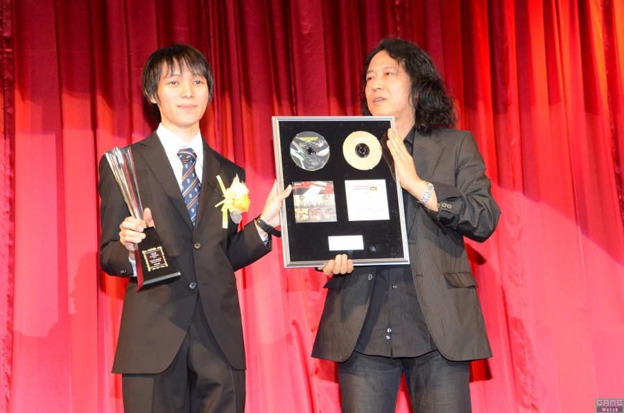 チャンピオン:APRICOT.さん、スペシャルプレゼンター:泉陸奥彦氏(ビーマニアーティスト)