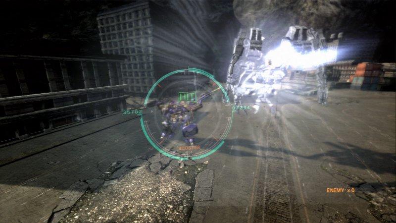 ハイブーストの状態からそのまま敵に接近するとそのままキック(体当たり)で攻撃するブーストチャージが発生。ブーストチャージは装甲を貫通する攻撃で機体の重量と速度によって威力が決定される