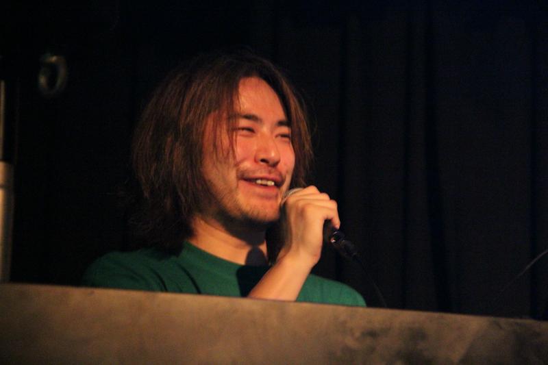 音圧高めのパワープレイをみせた遠山 明孝氏。終盤には「Run Pac-Man Run」のパックマンサウンドで会場を圧倒!