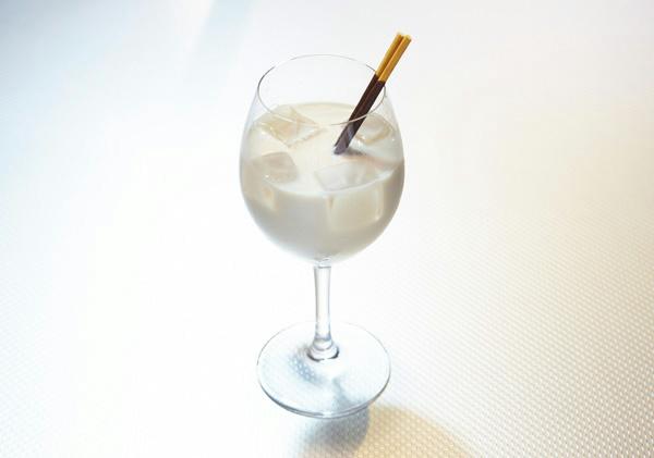 ラクーンスタイル カクテル「スタークレスト」(カカオミルク) 680円