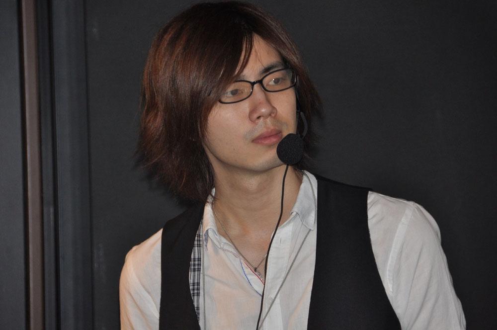 司会と試合の実況を担当した、有名FPSプレーヤーのyukishiro氏
